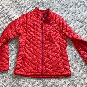 Pinky colored north face puffer